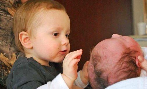 Guldydama vaiką šalia savęs mama kelia jam grėsmę, – tvirtina VTAT