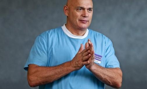 Geriausi vaistai – pritūpimai, atsispaudimai ir pilvo preso pratimai
