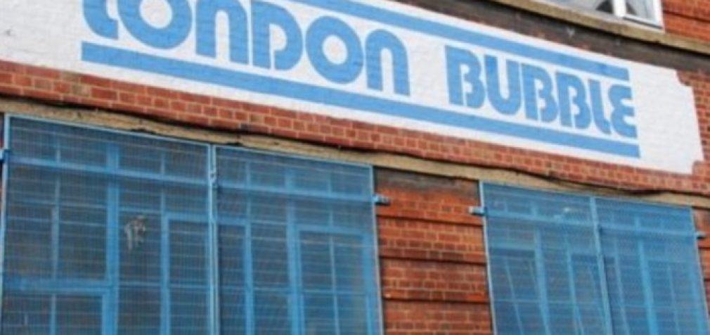 Elitinio nekilnojamo turto burbulas Londone sprogo, turtingiems užsieniečiams išduodamų vizų skaičius sumažėjo du kartus