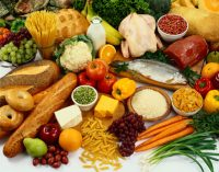 Maisto produktų gamintojai iki spalio pabaigos turės pasiaiškinti, kodėl Lietuvai tiekia skirtingos sudėties produktus