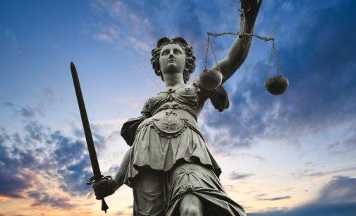 Prancūzijos teismas panaikino areštą Rusijos aktyvams, susijusiems su Jukos klausimu