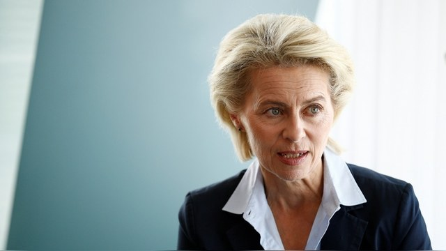 "Ursula von der Leyen "" Germany's Defence Minister Ursula von der Leyen attends a cabinet meeting at the Chancellery in Berlin, Germany, June 8, 2016. REUTERS/Axel Schmidt - RTSGIN1"