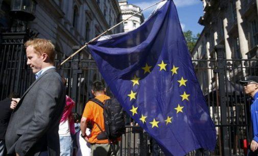 Europos Sąjunga paragino Britaniją nestabdyti išėjimo iš ES proceso