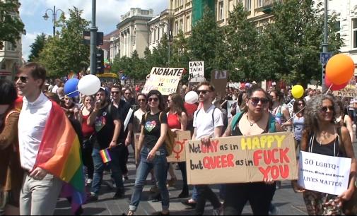 """""""Baltic Pride 2016"""" eitynėse, buvo daugiau dalyvių, tačiau kur kas mažiau žiūrovų, nei anksčiau"""