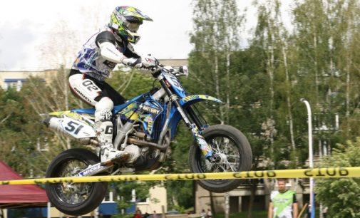 Elektrėnus drebino automobilių ir motociklų sporto šventė