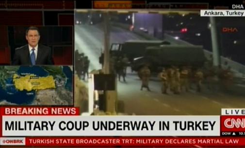 Turkijos kariškiai bando įvykdyti šalyje karinį perversmą (papildoma)
