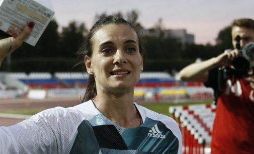 TOK: Rusų sporto žvaigždė Jelena Isinbajeva važiuos į olimpiadą