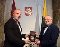 Lietuvos ir Latvijos gynybos ministrai aptars galimybes sinchronizuoti karinius pirkinius