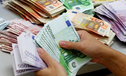 Dviejų tūkstančių eurų parama vaikams savarankiško gyvenimo pradžiai