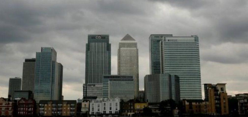 """Britanijos bankų asociacija: Ryšium su """"Brexit"""" bankai ruošiasi išsikraustymui"""