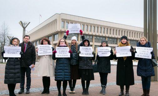"""Dovilė Šakalienė: """"Prieškalėdinės nuotaikos neužgesino nerimo dėl vaiko teisių apsaugos"""""""