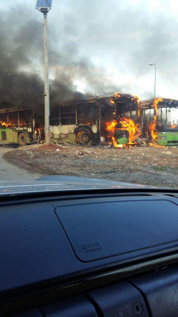 degantys autobusai sirijoje