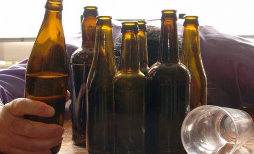 Nuo kovo alkoholis kainuos brangiau – padidinti alkoholio akcizai
