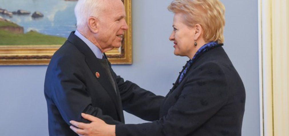 Prezidentė Dalia Grybauskaitė susitiko su JAV senatoriumi Johnu McCainu