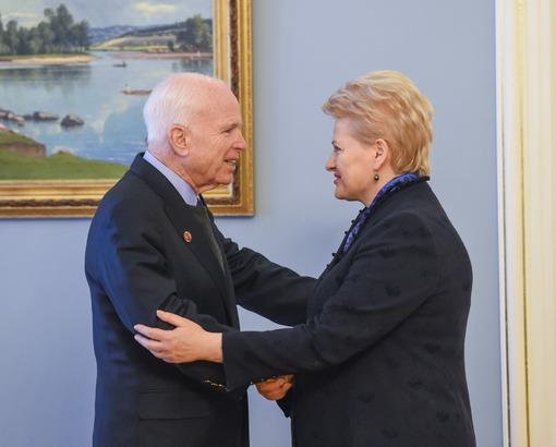 Dalia Grybauskaitė ir Džonas Makkeinas