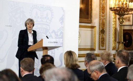 """Teresos Mei planas """"Brexit"""" atžvilgiu: pagrindiniai 12 punktų"""