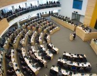 Seimas svarstys Prezidentės pataisas dėl vaikų šeimose saugumo ir spartesnio įvaikinimo