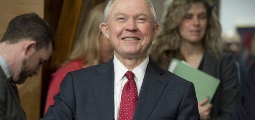Jeffas Sessionsas patvirtintas JAV Senato generaliniu prokuroru