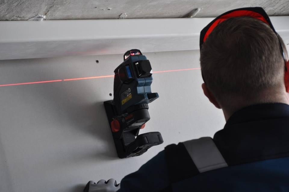 Sienų tikslumas matuojamas lazeriu, o patys darbai atliekami aukštos klasės specialistų