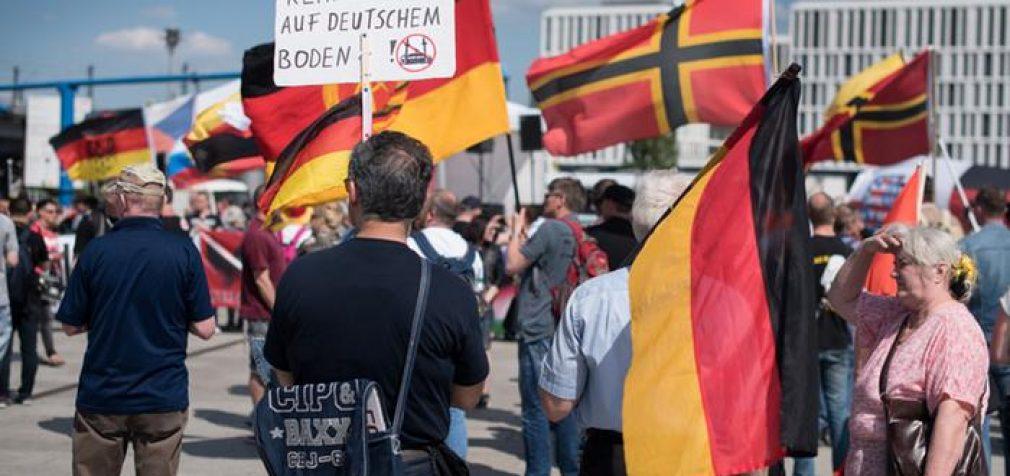 Apklausos: Europiečiai palaiko draudimą stabdantį musulmonų atvykimą