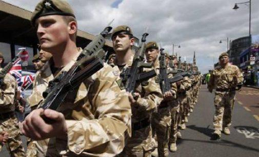 Times: Estija įspėja – dėl britų kariškių pomėgio muštynėms reikia kaltinti Rusiją