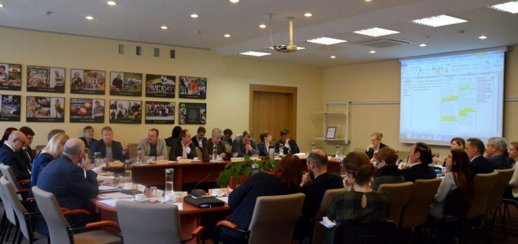 Trišalė taryba – dėl terminuotų sutarčių, darbo grafikų, darbuotojų atstovų apsaugos, kolektyvinės sutarties sutarti nepavyko