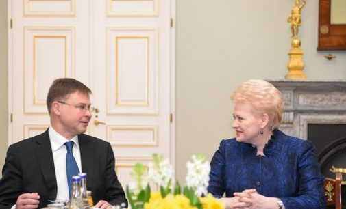 EK palankiai vertina Lietuvą ekonomikos augimo atžvilgiu, tačiau pajamų nelygybė yra viena didžiausių ES ir vis dar auga