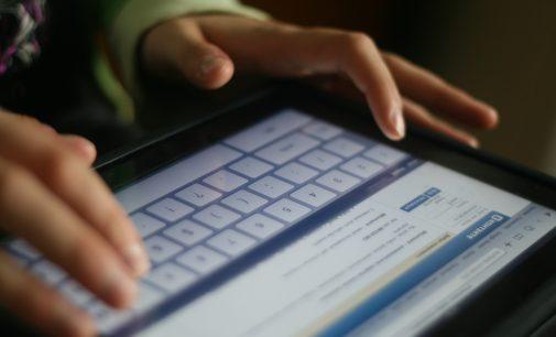 """Rusijos valdžia rimtai ėmėsi """"mirties grupes"""" socialiniuose tinkluose kuruojančių asmenų"""