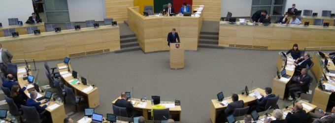 Tik 29 Seimo nariai iš 79 palaikė atlyginimo mažinimo už posėdžių nelankymą siūlymą