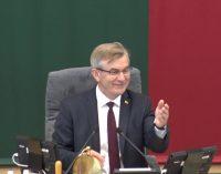 Seimo pirmininkas V. Pranckietis pusę metų vengia atsakyti į komisijos klausimus raštu