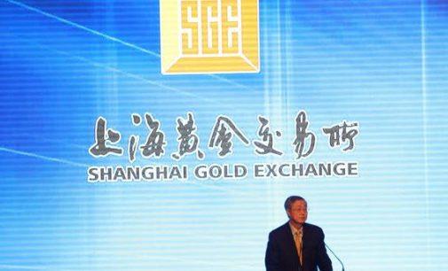 Dolerio atsisakymas artėja: Kinija pasirengusi įvesti etaloninę naftos kainą juaniais