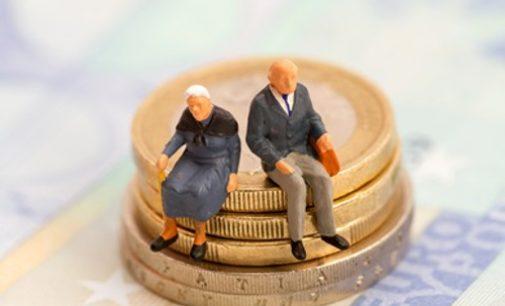 Nuo spalio, pensijos, turintiems būtinąjį darbo stažą, padidės nuo 13 iki net 29 eurų