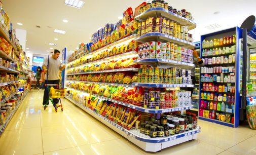 """Rytų Europa piktinasi Vakarų kompanijų tiekiamu """"antrarūšiu"""" maistu"""