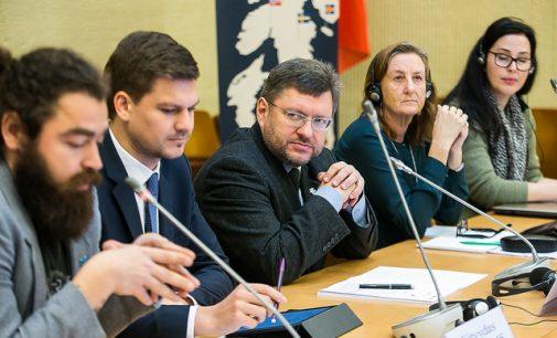 ŽTK pirmininkas V. Simulikas apgailestauja dėl to, kad iš Lietuvos bėga pabėgėliai
