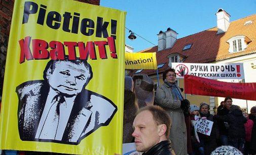 Protesto akcija Rygoje prieš mokyklų reformą