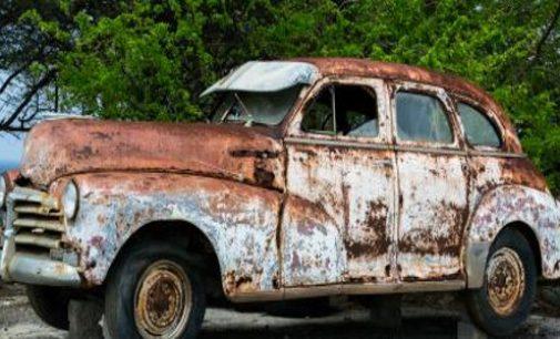 Nelegalūs automobilių ardytojai persikėlė į socialinius tinklus