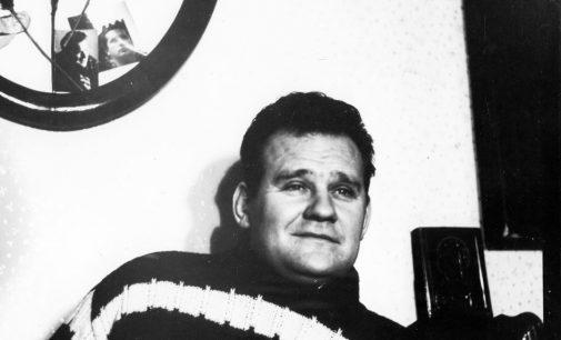 """L.Petkevičiūtė: """"Mylimam TĖČIUI – rašytojui Vytautui Petkevičiui atminti. Su didžia pagarba visiems jį geruoju minintiems"""""""
