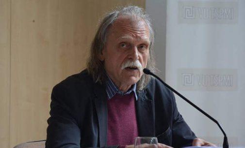 Trisdešimt septyni Seimo nariai ėmėsi ginti filosofą Vytautą Rubavičių