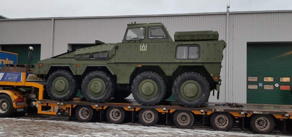 """Lietuvos kariuomenei užsakytų pėstininkų kovos mašinų """"Boxer"""" (Vilkas) tiekimas stringa"""
