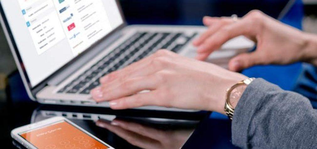 Kova su dezinformacija kenkia socialinių tinklų interesams