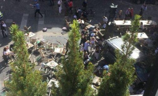 Vokietijoje furgonas įvažiavo į minią žmonių. Policija neigia tai buvus teroro aktu