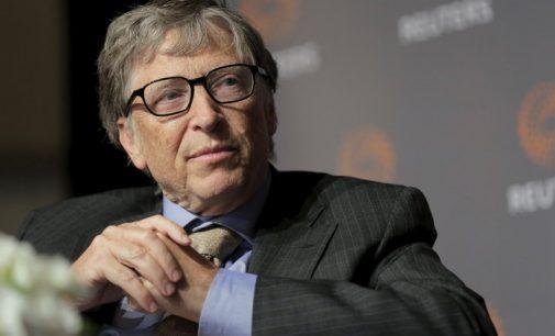 Bilas Geitsas tapo elektroniniu estu: po 7 metų tokių bus 10 milijonų