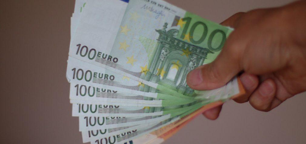 Vyriausybė pritarė siūlymui didinti minimalią mėnesio algą. Didės ir savarankiškai dirbančiųjų socialinio ir PSD draudimo įmokos