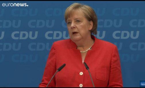 Angela Merkel su išlygomis priėmė CSU ultimatumą migracijos atžvilgiu