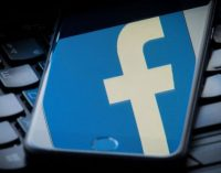 """""""Facebook"""" gresia milžiniška bauda už atvirai saugomus naudotojų slaptažodžius"""