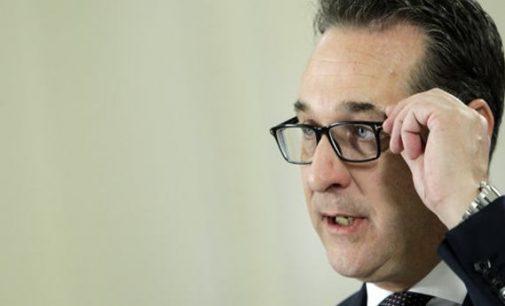"""Austrijos vicekancleris paragino ES """"atsidėkoti"""" JAV už muitus – atšaukti sankcijas Rusijai"""