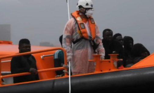 Migrantų antplūdis iš Afrikos auga – Gibraltaro sąsiauryje aptiktos 68 migrantų valtys