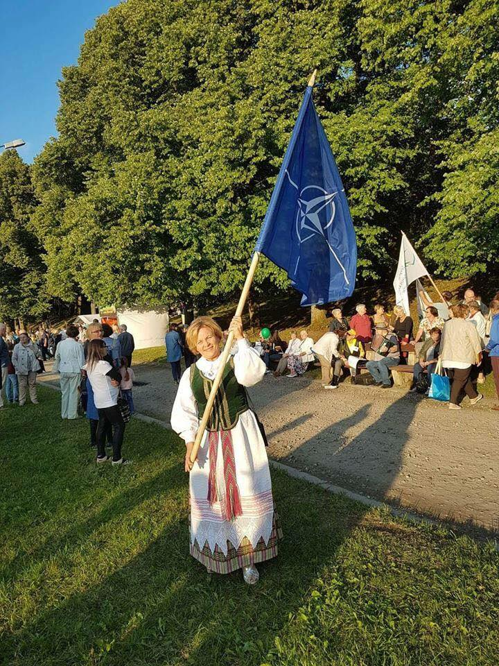 Rasa juknevičienė eina giedoti Lietuvos