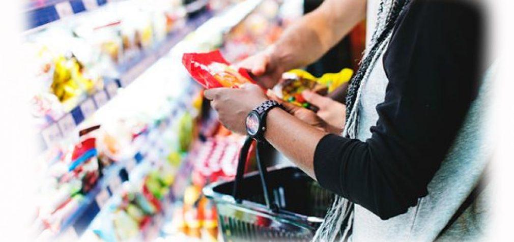 Veganiška dešra, sūrio pakaitalai, sojos pienas, madingi produktai – prikimšti chemijos