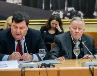 Emanuelio Zigerio iniciatyva, LR Seimas savo rezoliucijoje Baltijos kelią susiejo su gynybos išlaidomis bei planais